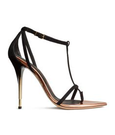 Welcome to H&M, your shopping destination for fashion online. Shop the latest trends and discover our high quality clothing at the best price. H&m Heels, Goth Chic, Dramatic Classic, Walk This Way, Kids Fashion, Womens Fashion, H&m Online, Suede Sandals, Black High Heels