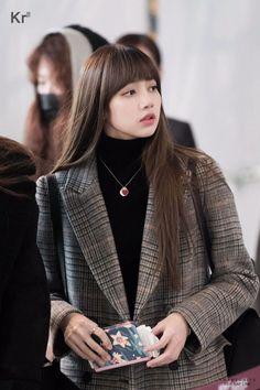 My Lalisa Manoban Blackpink Lisa, Jennie Lisa, Blackpink Fashion, Korean Fashion, Fashion Outfits, Blackpink Members, Blackpink Photos, Jolie Photo, Airport Style