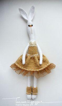 Crotchet Patterns, Crochet Patterns Amigurumi, Amigurumi Doll, Crochet Dolls, Knitted Bunnies, Crochet Bunny, Crochet Animals, Crochet Art, Love Crochet