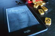 Forlag: Candied Crime Sidetal: 465 Serie: Ulfhedin-sagaen Nr: 1 Udgivet: 13/6-2015 Dette er et anmeldereksemplar fraforfatteren Forlagets Beskrivelse Mytologisk fantasy for voksne. Emilie vil hels…