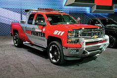 2014-lowered-chevy-silverado-sema-scene-2013---8-lug-diesel-truck-magazine--photos