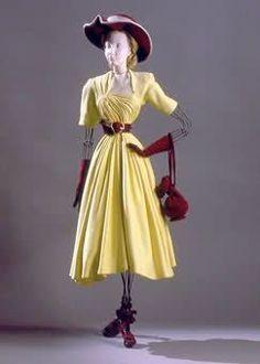 Le Théâtre de la Mode.Robe de  Jeanne Lafaurie