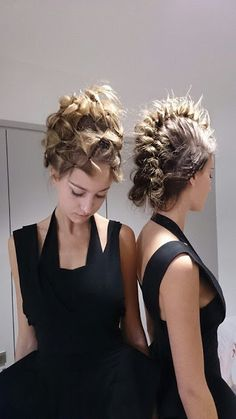 Faux mohawks for formal hairstyles! Formation for.Davines in Paris The post Faux mohawks for formal hairstyles! appeared first on Do It Yourself Diyjewel. Formal Hairstyles, Up Hairstyles, Pretty Hairstyles, Love Hair, Great Hair, Angelo Seminara, Runway Hair, Editorial Hair, Hair Shows