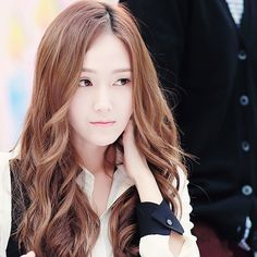 Beauty and Art Jessica & Krystal, Krystal Jung, Jessica Jung Fashion, Blonde Asian, Anne Sophie, Bts Girl, Ice Princess, Auburn Hair, Sooyoung