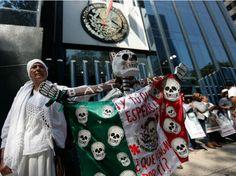 Padres de los 43 normalistas retoman diálogo con PGR - http://www.notimundo.com.mx/mexico/padres-de-los-43-normalistas-pgr/
