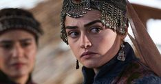 Overview, Biography, Family, Career, Movies Detail & Watch their movies online. Overview Born: 14 october , 1992 ,Ankara , Turkey Biography Esra Bilgiç (brought into the world 14 October 1992) is a Turkish actress.She is most popular for depicting the job of Halime Hatun in the recorded experience TV arrangement Diriliş: Ertuğrul from 2014 to 2018.As #actor #actors #actress #best #bollywood #comedian #English #hindi #hollywood #pakistani #pkfilmiworld #romantic #singersong #Urdu Pakistani Girl, Pakistani Actress, Bollywood Actress, Esra Bilgic, Turkish Fashion, Better Half, Turkish Actors, Priyanka Chopra