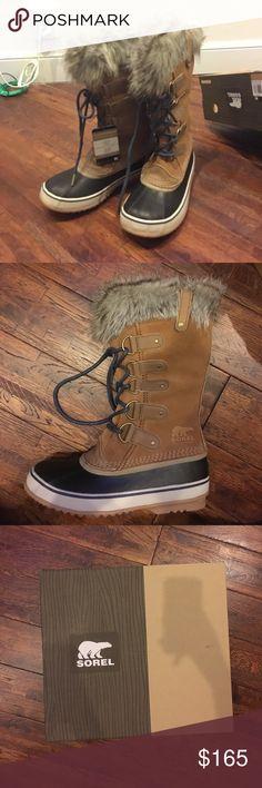 Joan of Arctic Women's Sorel Boots In perfect, brand new condition. Never been worn, never been used. Still in the original box. Women's 8.5 (UK 6.5, EUR 39.5, CM 25.5). Waterproof. Sorel Shoes