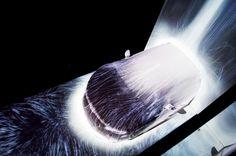 全長約16m、解像度7Kの滝を Audi R8の車両にプロジェクションマッピング - デジタルサイネージ TREND EYES - サイン&ディスプレイ