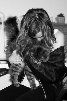 Down With The Cat Lady (Stereotype) - Life With Cats Animal Action, Cat Pose, Norwegian Forest Cat, Cat Photography, Female Poses, Bored Panda, Cat Gif, American Women, Cat Lady