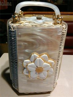 OnlineAntiques - Rare Tropic Imports Lucite and wicker purse Vintage Purses, Vintage Bags, Vintage Handbags, Handbag Accessories, Jewelry Accessories, Wicker Purse, Cat Vector, Vintage Vibes, Purses And Handbags