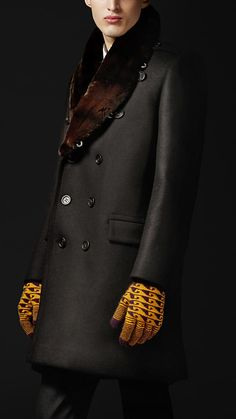 Next Autumn/Winter 2013 Polo Ralph Lauren Fall 2012 Burberry Prorsum Autumn/Winter 2012 fur collar oversize wool pea coat - O. Burberry Prorsum, Sharp Dressed Man, Well Dressed Men, Fashion Models, Mens Fashion, Vogue, Men's Coats And Jackets, Gentleman Style, Fur Collars