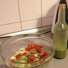 Rezept Kräuter-Knoblauch-Dressing auf Vorrat von glitzerkostuem - Rezept der Kategorie Vorspeisen/Salate Chutney, Dips, Guacamole, Pickles, Salad Recipes, Cucumber, Salads, Food And Drink, Veggies