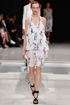 2016春夏プレタポルテコレクション - チャラヤン(CHALAYAN)ランウェイ|コレクション(ファッションショー)|VOGUE JAPAN