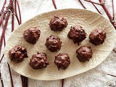 Dışı çikolata, içi Hindistan cevizi... Fazla sürprize gerek yok diye düşünüyoruz.