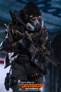 Have you ever heard of Tom Clancy's The Division Action Figures ? The game character design is prett. Division Games, The Division Gear, The Division Cosplay, Gi Joe, Tactical Armor, Tom Clancy The Division, Military Action Figures, Future Soldier, Tactical Clothing