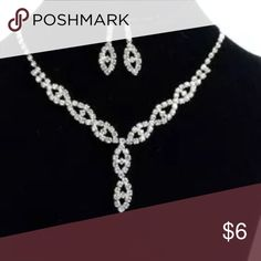 Rhinestone necklace with matching earrings Brand new, 3 pcs set. Perfect for parties and dressing up Accessories