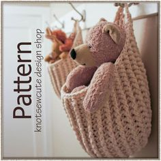 #Crochet Hanging Storage Pouch - I want to make this with plarn (plastic bag yarn)!