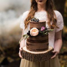 #fall #shooting #styledshoot #inspiraton #deepinthewoods #chocolate #naked #wedding #cake #bride #bridal #rustic #natural #lovemyjob #mydreamjobismyrealjob #cakedesign #egycsipettorta Photo: @tbreni