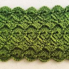 Easy catherine wheel variation - Raised diamonds - crochet pattern