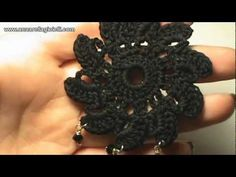 DIY Ribbon flower with beads. In this video you will learn how to make twisted flower with sewn in beads. Thread Crochet, Crochet Motif, Diy Crochet, Tutorial Crochet, Diy Tutorial, Bijoux Shabby Chic, Diy Ribbon Flowers, Knitted Flowers, Earring Tutorial