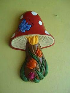 Ceramica Hongos de pared con tulipanes https://www.facebook.com/PintArte.jozumu