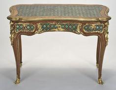 Table à écrire. Attribué à Bernard II VanrisenBurgh (dit) B.V.r.B. (après 1700-1766). Paris, vers 1745-1749. Fine Arts Museums of San Francisco. Photo : DR.