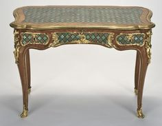 Table à écrire. Attribué à Bernard II VanrisenBurgh (dit) B.V.r.B. (après 1700-1766). Paris, vers 1745-1749. Fine Arts Museums of San Francisco. Photo : DR.
