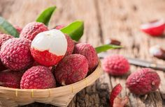 Litchi sau Lychee – Delicii pentru mesele festive și nu numai Lychee Photos, Fresco, Raspberry, Strawberry, Dieta Detox, Vegetables, Juices, Foods, Flower