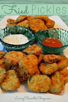 Fried Pickles- Here is a super easy recipe for Fried Pickles! It is one of my favorite appetizers. If you want great fried pickles the key is to start with a great pickle. So be sure to use a dill pickle you like. I find some dill pickle chips to be too s Appetizer Recipes, Snack Recipes, Appetizers, Cooking Recipes, Appetizer Ideas, Protein Recipes, Cake Recipes, Dinner Recipes, Homemade Ham