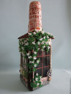 Wine Bottle Crafts – Make the Best Use of Your Wine Bottles – Drinks Paradise Recycled Glass Bottles, Glass Bottle Crafts, Wine Bottle Art, Wine Art, Diy Crafts Slime, Slime Craft, Bottle House, Jar Art, Decoupage Art