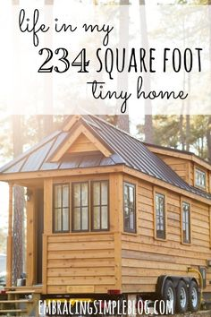 Could you live in a 234 square foot tiny home? An interview with a tiny home owner that you won't want to miss - she shares all of her tips for how she was able to downsize and simplify to live a more joyful life! Buying a House Tiny House Company, Tiny House Swoon, Tiny House Living, Tiny House Plans, Tiny House Design, Tiny House On Wheels, Small Living, Tiny House Movement, Cabana