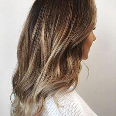 Fresh lights. Color by @ashleyjoyhair  #hair #hairenvpy #hairstyles #haircolor #brunette #balayage #highlights #newandnow #inspiration #maneinterest