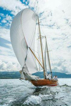 Gorgeous sailboat!