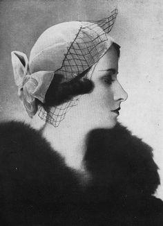 Les Modes (Paris), October 1935. Hat by F. Sorbier. #vintage #1930s #hats