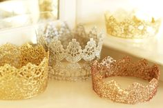 Princess Lace Crowns - 15 Ingenious DIY Lace And Doilie Upcycle Ideas Korona 15 Ingenious DIY Lace And Doilie Upcycle Modern Decor Ideas Diy Lace Princess Crowns, Lace Crowns, Princess Party, Little Princess, Disney Princess, Diy Crown, Nye Party, Halloween Kostüm, New Years Eve Party