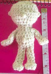 Ravelry: Itty Bitty Baby Doll pattern by Amber Schaaf.. Free pattern!