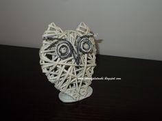 Sowa z papierowej wikliny