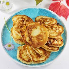 Pancakes with cheese Polish Recipes, Polish Food, Calzone, Cottage Cheese, Something Sweet, Fritters, Afternoon Tea, Pancakes, Good Food