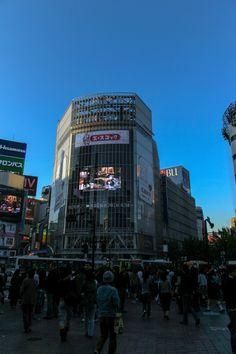 https://flic.kr/p/BEKB7q | 시부야 역 앞에서 : 渋谷駅前 :  Shibuya Station before | 또 이런 저런 재미를 느껴볼 수 있는 시부야 역 앞은 많은 개성을 보여줍니다. 일본이면서도 일본답지 않은 일본스러움을 보여주기 때문에 기억하기 쉬운 것 같습니다.
