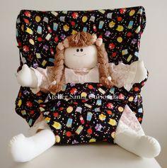 Assento Portátil para Bebês  Feito com tecido 100% algodão, que garante conforto, durabilidade e total segurança.  Facilita a vida das mamães, pois é ajustável em qualquer cadeira permitindo que você o use em diversos lugares.  E, para trazer mais ainda mais conforto ao seu bebê, nossa costura é ...