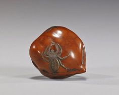 Unusual antique lacquered walnut netsuke; polished form with design of a spider and flies, signed Jo-O or Tsune-O, with Kakihan (section of spider lacquer missing), late 19th Century - Japanese Aesthetics : Photo