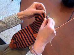 Uma pausa para tricotar e crochetar: Como aprendi a tricotar meias com agulhas de 2 pontas