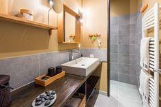 Salle d'eau des Chambres d'hôtes à vendre en Beaujolais des Pierres Dorées à 25 mn de Lyon
