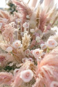 Wedding Decor Inspiration with Chic Neutrals, Pinks and Pampas Grass - Perfete Blush Flowers, Dried Flowers, Pink Peonies, Wedding Centerpieces, Wedding Decorations, Wedding Ideas, Grass Centerpiece, Floral Wedding, Wedding Flowers
