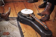 I want a banjo in such a bad way! Maybe for Christmas...