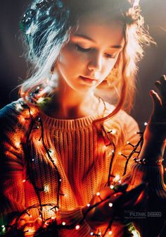 Beautiful Children Portrait Photography by Sergey Piltnik Fairy Light Photography, Christmas Photography, Portrait Photography Poses, Photography Poses Women, Photography Camera, Shotting Photo, Teenage Girl Photography, Girl Photo Poses, Girl Pictures
