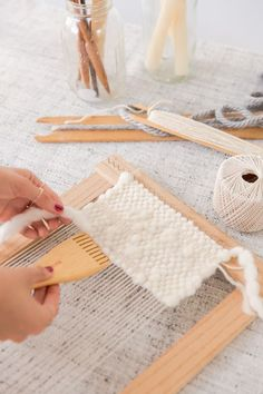 How to make a DIY lap loom for less than $20