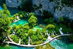 So you're thinking of visiting Croatia? Then you must visit Plitvice Lakes National Parks, it is one of the most beautiful, natural, places I've ever visited. Amazing Places On Earth, Beautiful Places In The World, Beautiful Places To Visit, Places Around The World, Around The Worlds, Amazing Things, Croatia National Park, National Park Tours, Plitvice Lakes National Park