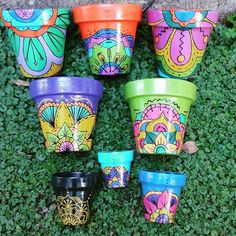 Painted Flower Pots, Painted Pots, Pots D'argile, Clay Creations, Backyard Landscaping, Diy Art, Decoupage, Graffiti, Arts And Crafts