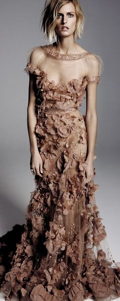 Elie Saab Couture love the top of this dress and the dress